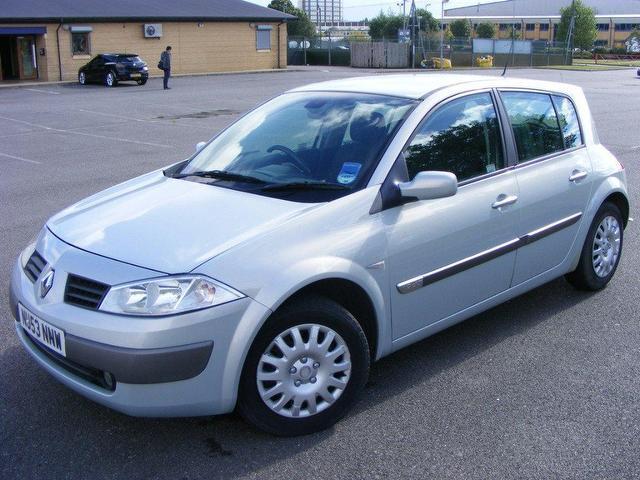 Used_Renault_Megane_1_9_Dci_120_Dynamique_Hatchback_Silver_2003_Diesel_for_Sale_in_UK
