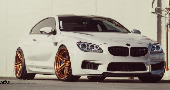 Alpine-White-BMW-M6-autonovosti.me-1