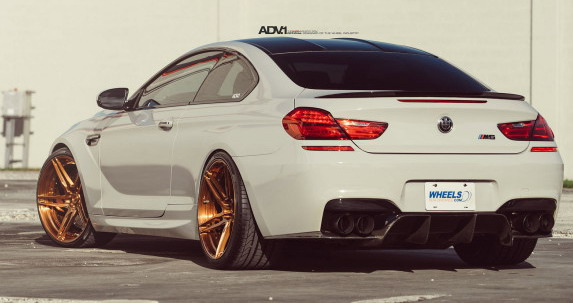 Alpine-White-BMW-M6-autonovosti.me-2