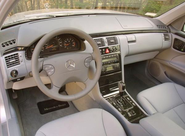 Mercedes-E-klasa-W210-1-e1438374661981