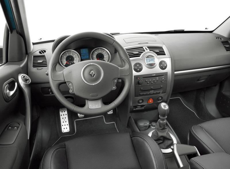 Renault-Megane_GT_2007_800x600_wallpaper_0d