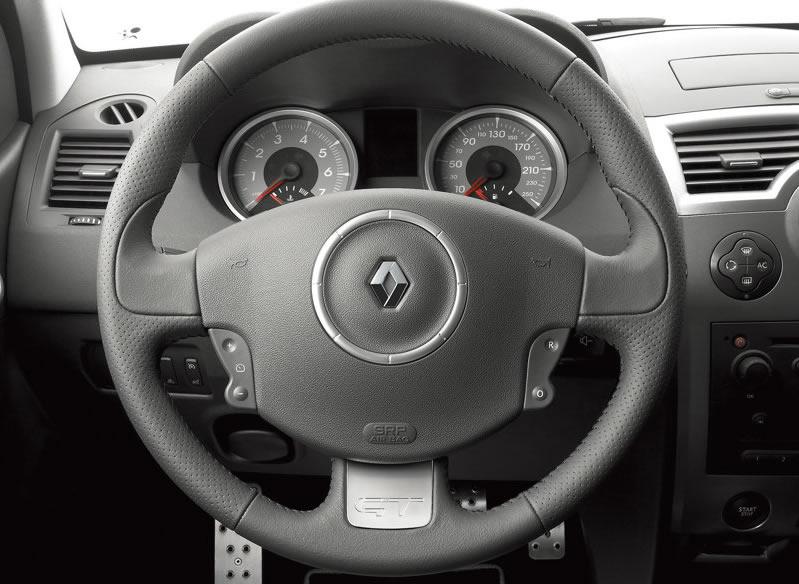 Renault-Megane_GT_2007_800x600_wallpaper_0f