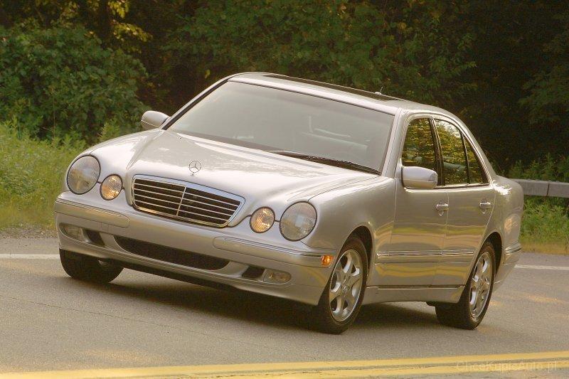 mercedes-benz-e-klasa-sedan-309-7010_v1