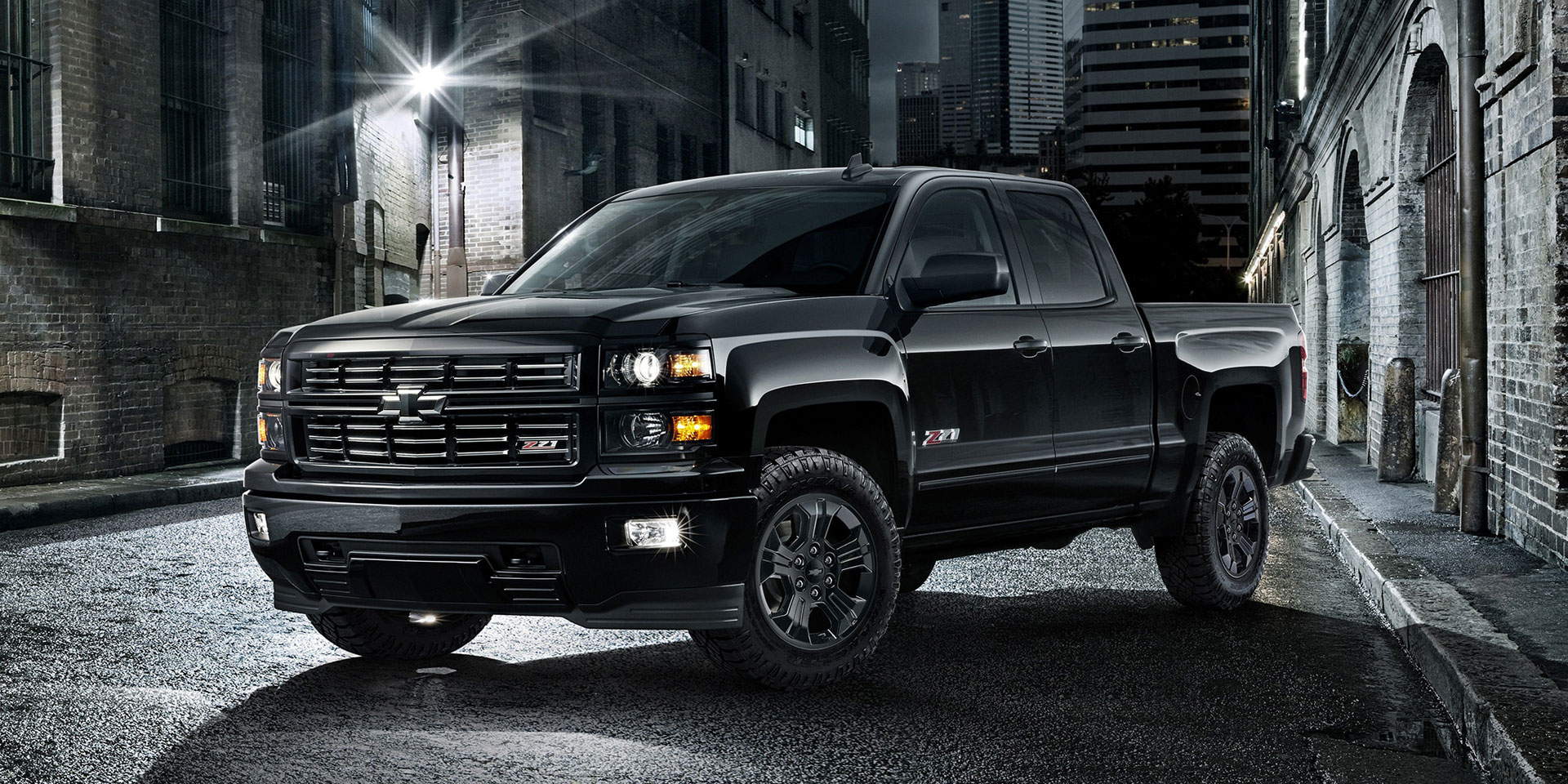 2015-Chevrolet-Silverado-Midnight-Edition-1