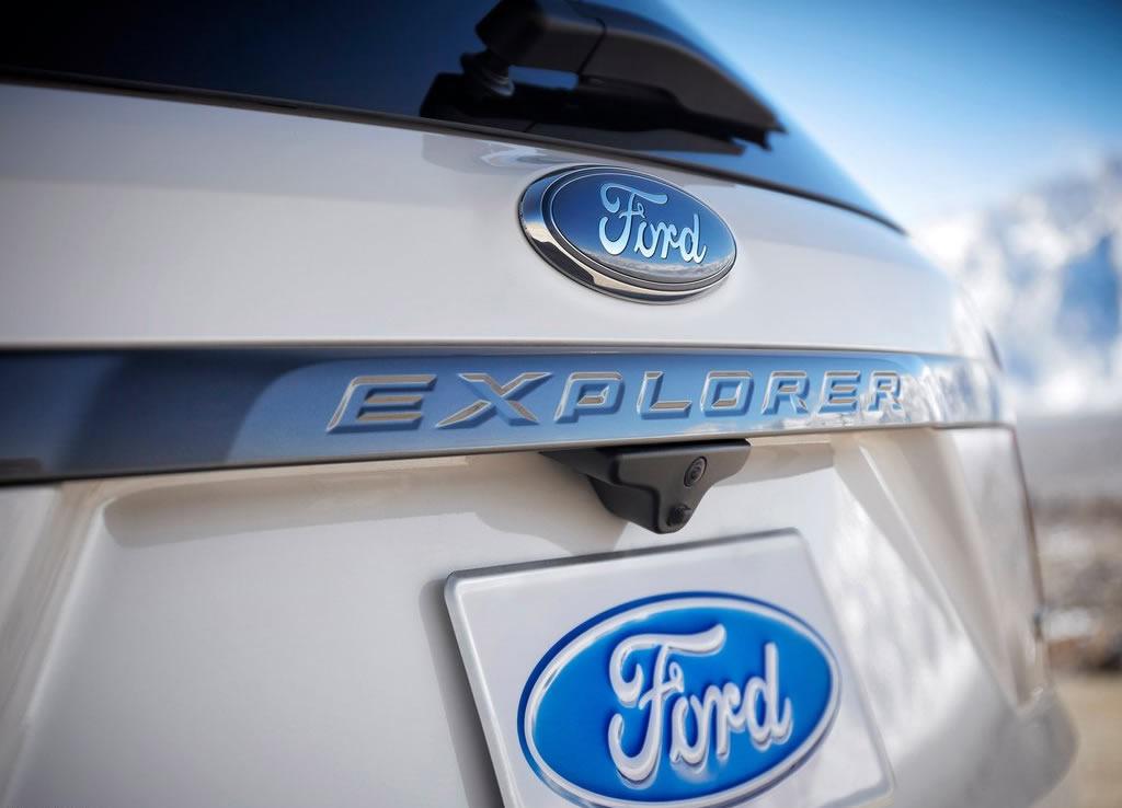 Ford-Explorer_XLT_Sport_Appearance_Package_2017_1024x768_wallpaper_10-autonovosti.me-6