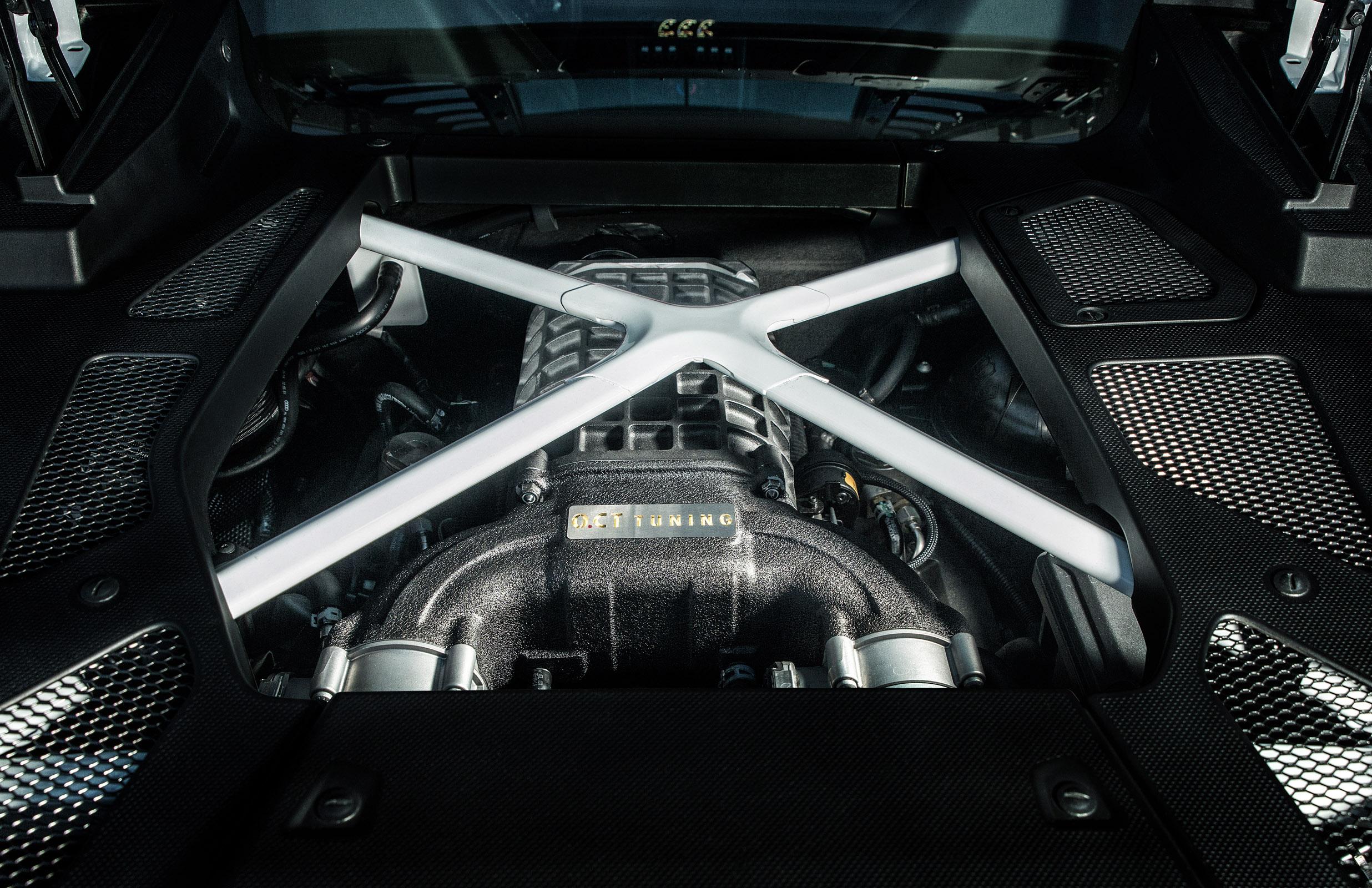 2016 OCT Lamborghini Huracan
