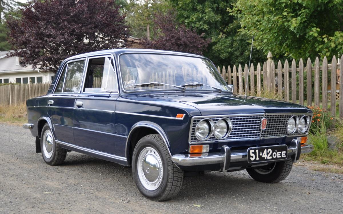 1982-vaz-lada-21033-front-34