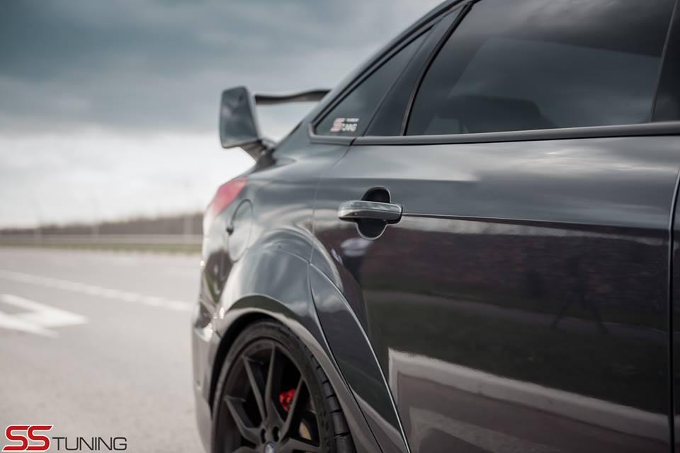 ford-focus-st-sedan-by-ss-tuning-has-an-sti-wing_10-autonovosti.me-4