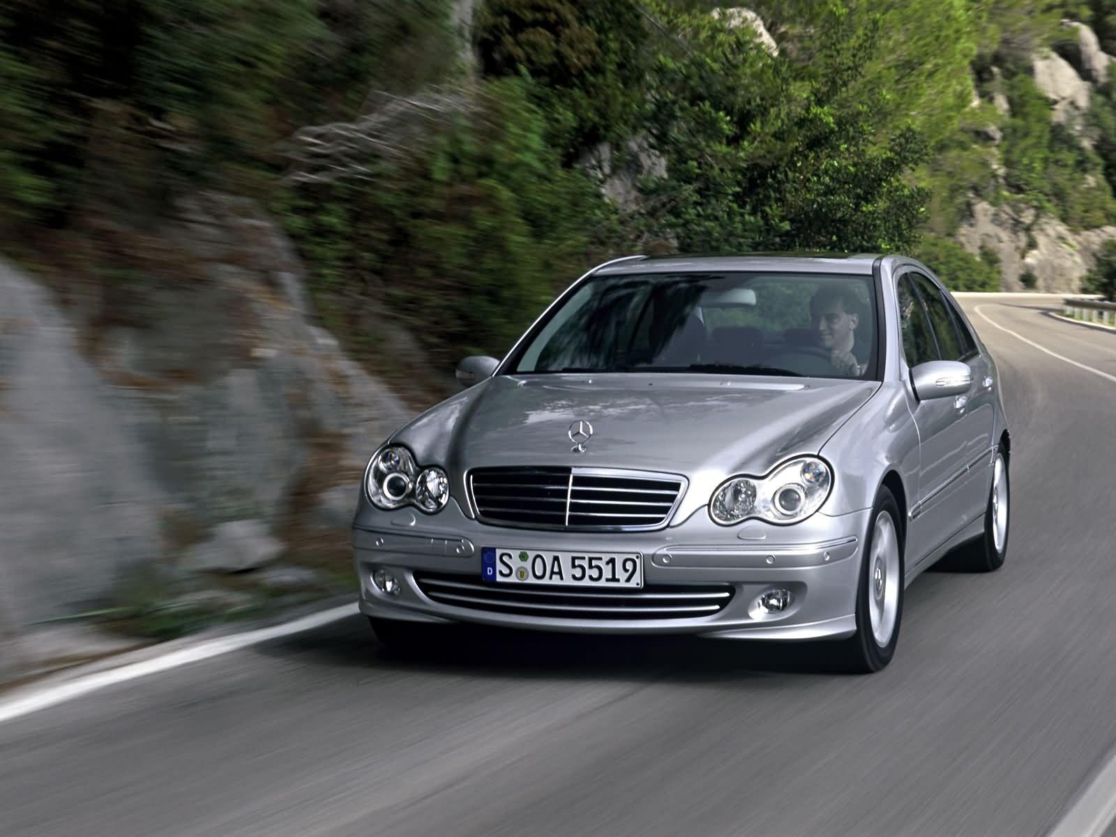 Mercedes_Benz-C_Class_W203_mp35_pic_10825