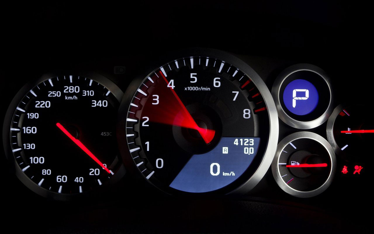 nissan-gt-r-instrument-panel