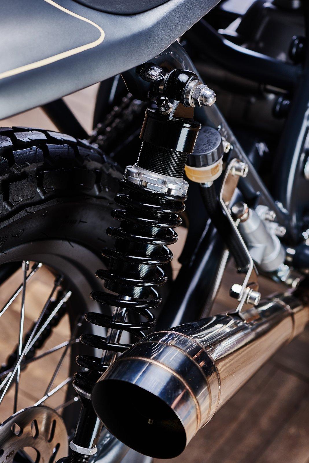 Ventus Garage Suzuki GN400 Street Tracker