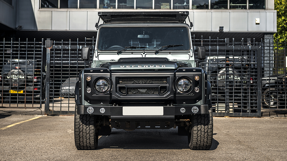 Land Rover Defender 2.2 TDCI 110 Utility Wagon Chelsea Wide Track